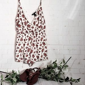 FOREVER 21 WHITE WITH RED ROSES ROMPER SIZE MEDIUM